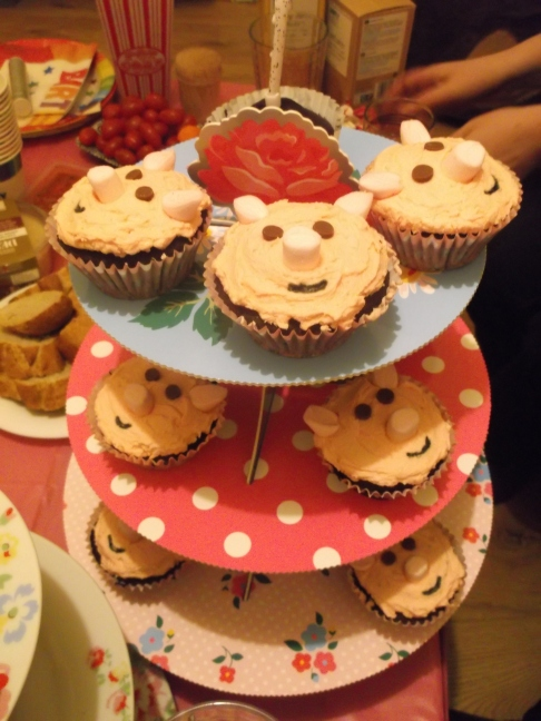 Miss Pig's Birthday 076